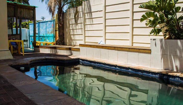 Big blue backpackers swimming pool
